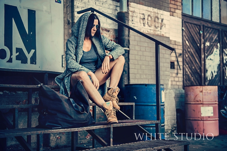 anja-choluy-poland-palladium-boots-photo-best-studio-white